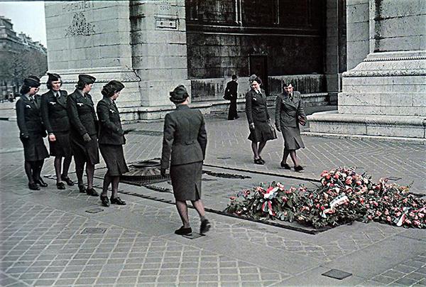 Paris 1942